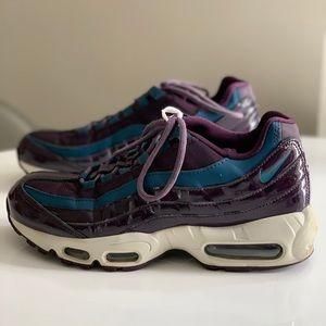 Nike Air Max 95 SE Premium Women's Shoe size 8